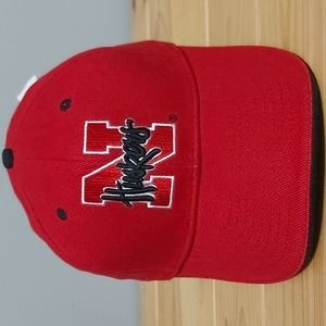 NWT Huskers hat velcro strap